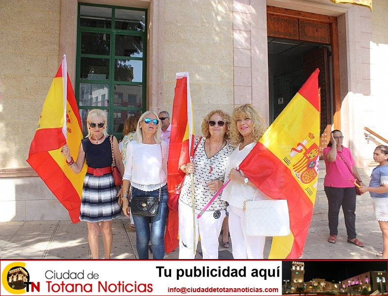 Homenaje a la Bandera de España. Día Fiesta Nacional 2017 - 008