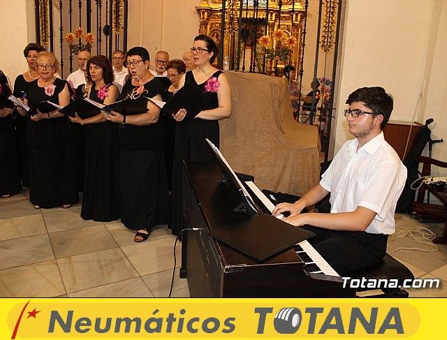 Solemne Eucaristía presidida por el Obispo y Concierto de la Coral Santiago - 18