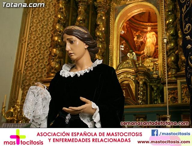 La Hermandad de La Ver�nica estrena traje de vestir luto - 2
