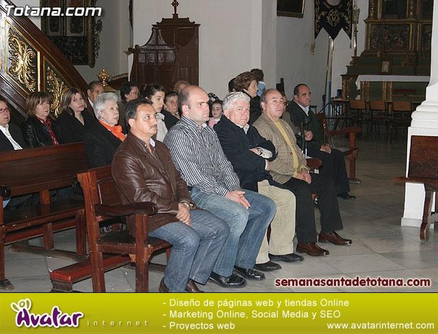 La Hermandad de La Ver�nica estrena traje de vestir luto - 9