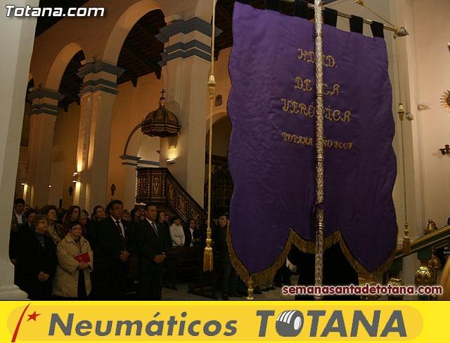 La Hermandad de La Ver�nica estrena traje de vestir luto - 13