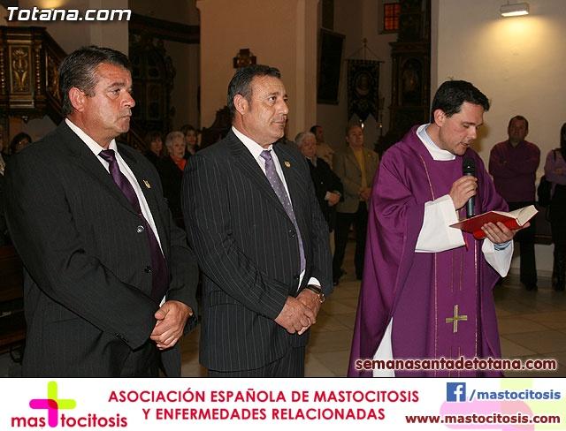 La Hermandad de La Ver�nica estrena traje de vestir luto - 17