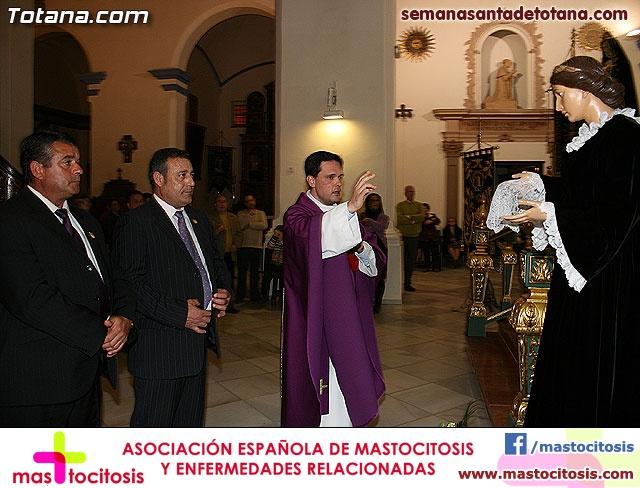 La Hermandad de La Ver�nica estrena traje de vestir luto - 19
