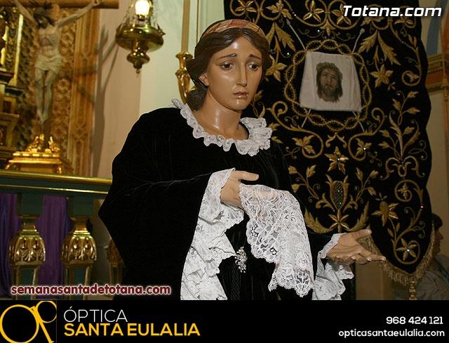 La Hermandad de La Ver�nica estrena traje de vestir luto - 28