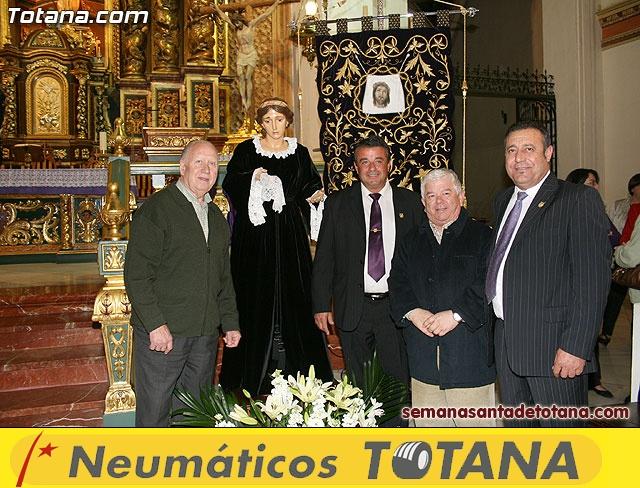 La Hermandad de La Ver�nica estrena traje de vestir luto - 35