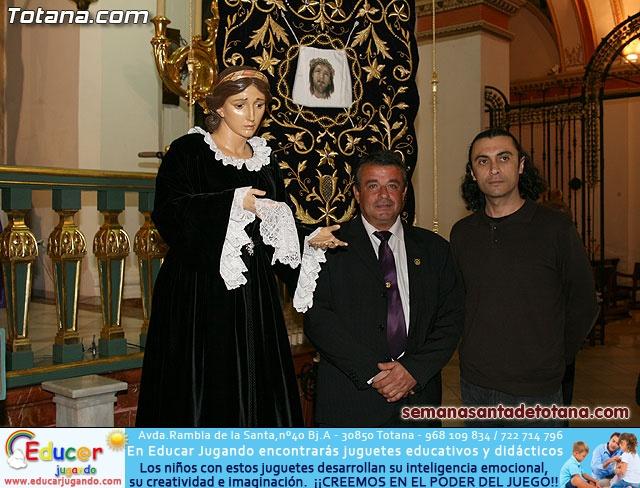 La Hermandad de La Ver�nica estrena traje de vestir luto - 37
